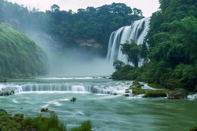 【贵州】黄果树大瀑布、天星桥水上石林、陡坡塘瀑布、下司古镇、西江千户苗寨、荔波小七孔