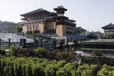 【襄阳】中国汉城+花海拍照一日游